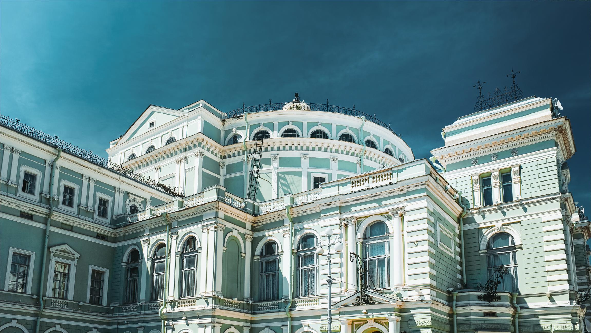 8.Seara la balet – Teatrul Mariinskyi sau Mikhailovskyi (Sankt-Petersburg)